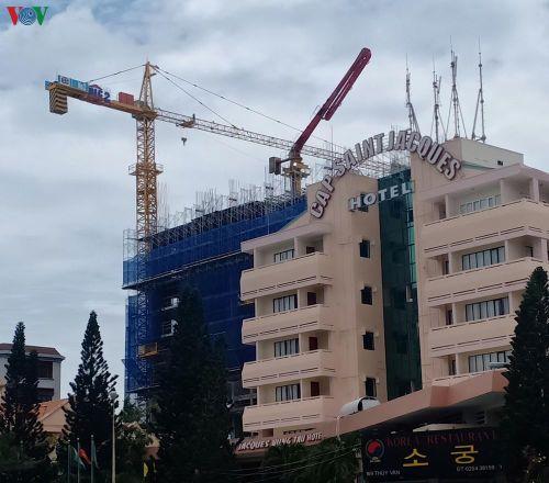 Xây dựng nhà cao tầng không phép DIC bị phạt 1 tỷ đồng