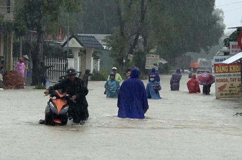 Khách sạn, resort Phú Quốc quá tải trong ngày mưa lớn