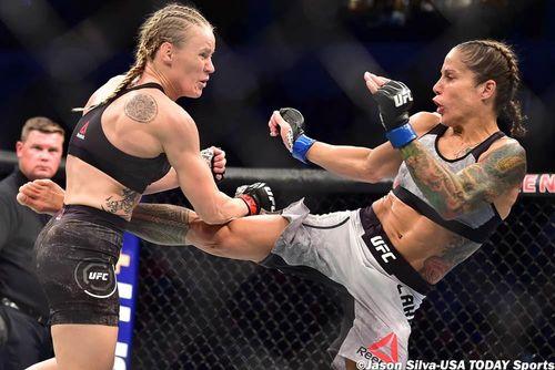 'Nữ vương' UFC phục thù thành công cựu lính thủy Mỹ