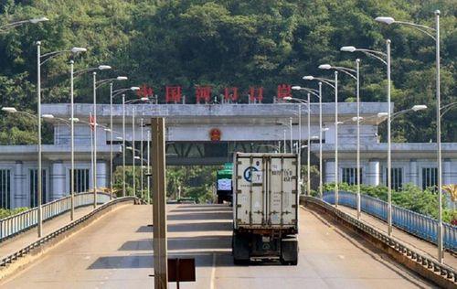 Thanh long Việt ùn ứ tại cửa khẩu do TQ thay đổi chính sách