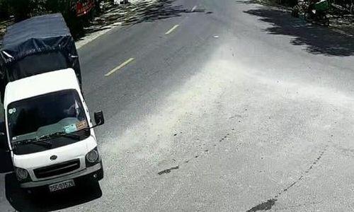 Mắt thần 'vạch mặt' tài xế xe tải trộm 100 bó củi