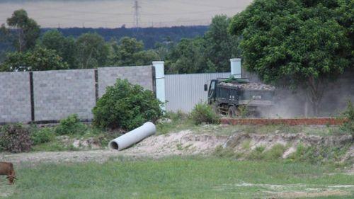 Vụ trồng cây chờ đền bù cao tốc Bắc - Nam: Thanh tra toàn diện 'mỏ cát lậu'