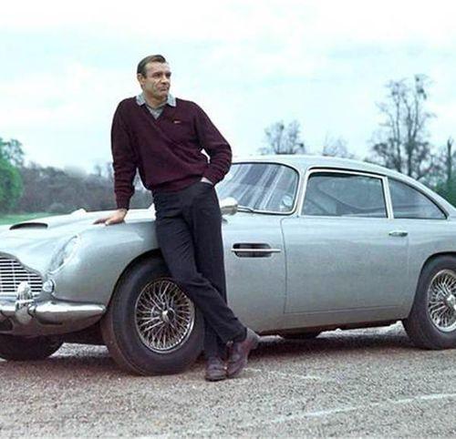 Chiếc xe nổi tiếng nhất thế giới vừa được bán với giá 6,4 triệu USD