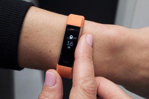 Fitbit sẽ cung cấp 'miễn phí' vòng thông minh cho người dân Singapore