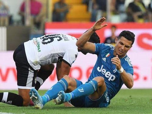 Ronaldo mờ nhạt, Juventus thắng nhọc Parma