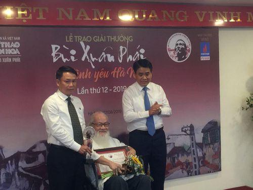 PGS.TS.NGƯT Nguyễn Thừa Hỷ được tặng Giải thưởng Lớn - Vì tình yêu Hà Nội