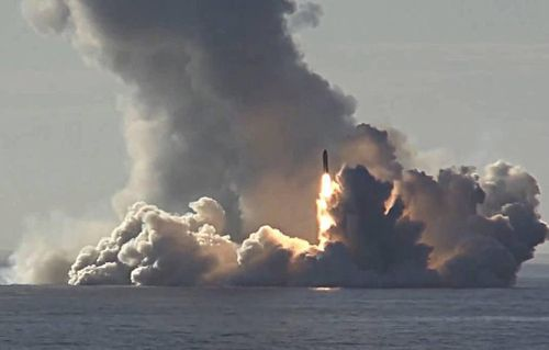 Bộ đôi vũ khí dũng mãnh của Nga khạc lửa 'đáp trả' đòn của Mỹ?