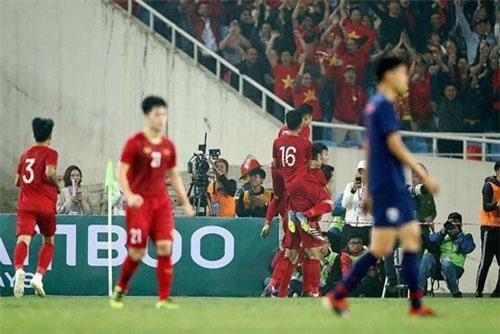 Bóng đá Thái đang thua 'toàn tập' trước bóng đá Việt