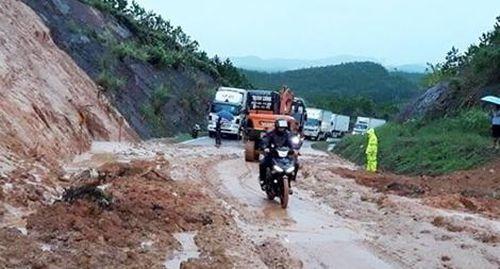 Nhiều xã vùng cao của tỉnh Quảng Ninh bị chia cắt do lũ lên nhanh
