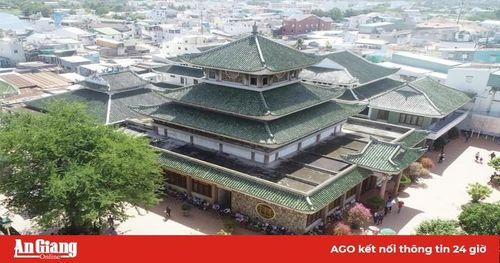 Long Xuyên – điểm tựa để hình thành tuyến du lịch 'Con đường di sản An Giang'