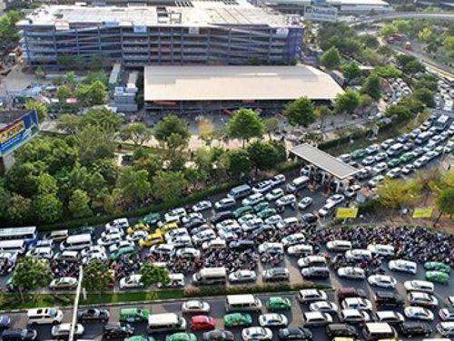 Điều chỉnh dự án nối đường để giảm kẹt xe khu vực sân bay Tân Sơn Nhất