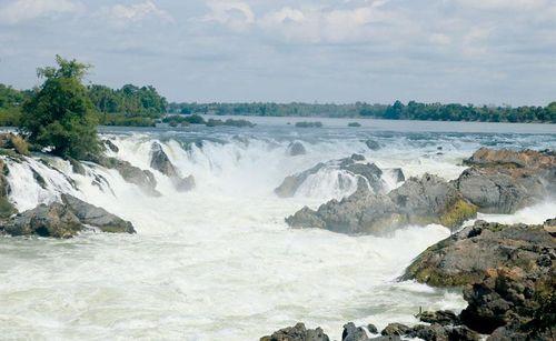 Nam Lào hoang sơ và hùng vĩ