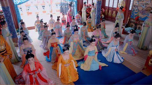 Giữa hàng ngàn mỹ nữ trong tam cung lục viện, Hoàng đế chọn người thị tẩm bằng cách nào?