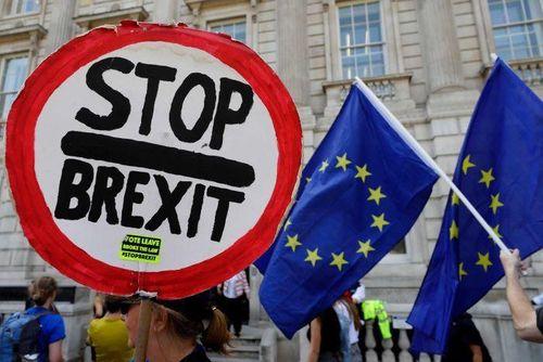 Đỉnh điểm rối ren chính trị trong Vương quốc Anh