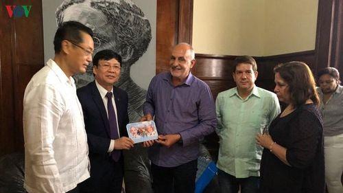 Đoàn đại biểu Hội Nhà báo Việt Nam thăm và làm việc tại Cuba