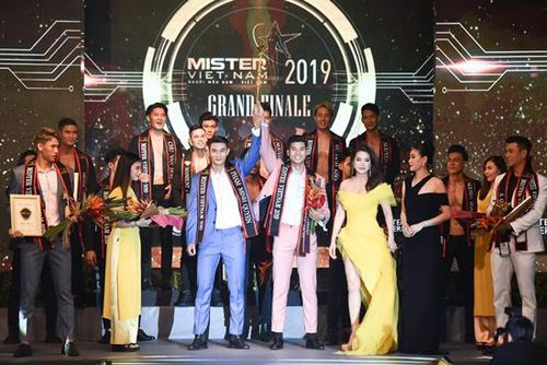Mister Việt Nam 2019 bất ngờ vinh danh 2 quán quân, BTC lý giải ra sao?