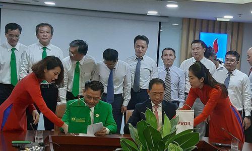 PVOIL và Tập đoàn Mai Linh hợp tác cung cấp chéo dịch vụ
