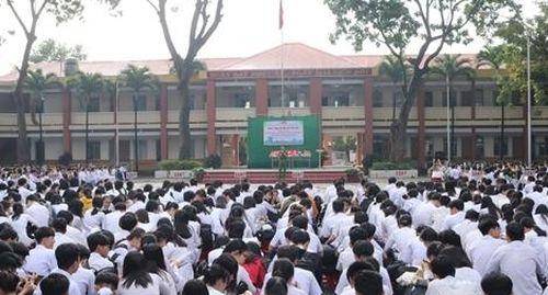 Trao học bổng, nâng cao văn hóa giao thông cho hơn 5000 học sinh