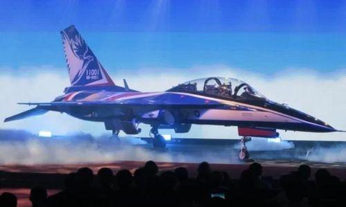 Đài Loan giới thiệu nguyên mẫu máy bay phản lực Brave Eagle tự sản xuất
