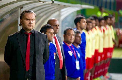 HLV Popov chuẩn bị 'khủng' cho U-22 Myanmar đá SEA Games 30