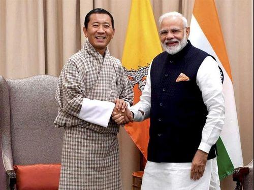 Thủ tướng Ấn Độ gặp Thủ tướng Bhutan lần thứ 4 trong năm qua