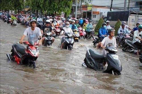 TP HCM và Cần Thơ: Triều cường dâng cao gây ngập úng nhiều nơi