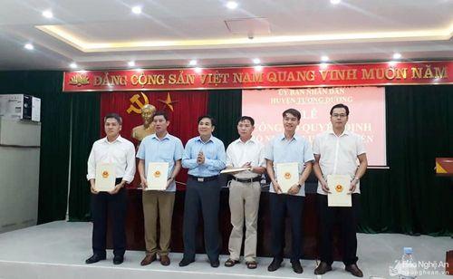 Huyện Tương Dương: 6 cán bộ được bổ nhiệm, điều động vị trí mới