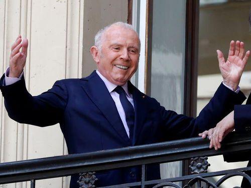Ông chủ các thương hiệu thời trang xa xỉ Gucci, Balenciaga giàu cỡ nào