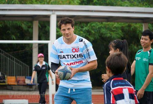 Cầu thủ bóng bầu dục Pháp gốc Việt muốn thúc đẩy nền thể thao quê nhà