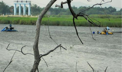 'Sa tặc' âm ỉ hoạt động trên sông