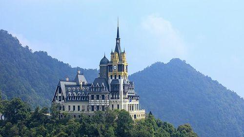 Vì sao chủ lâu đài 'khủng' trên đỉnh Tam Đảo có nhiều dự án 'lọt tầm ngắm' thanh tra?
