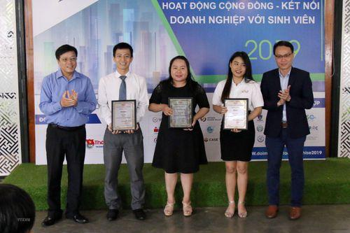 Ba dự án đạt giải nhất cuộc thi ứng dụng AI trong đô thị thông minh