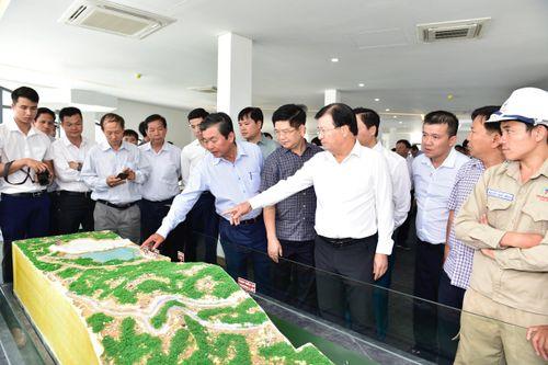Tranh thủ thời cơ, đưa Ninh Thuận thành trung tâm năng lượng tái tạo