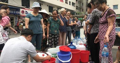 Cư dân Linh Đàm: 'Nước Sông Đà ô nhiễm, họ đã coi thường tính mạng người dân'