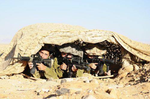 Mang súng khi diện bikini - Vén bức màn bí ẩn về lực lượng nữ binh Israel