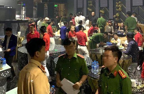 Đột kích 'động' ăn chơi ở Hà Nội... bóc trần sự thật sa đọa của người Việt
