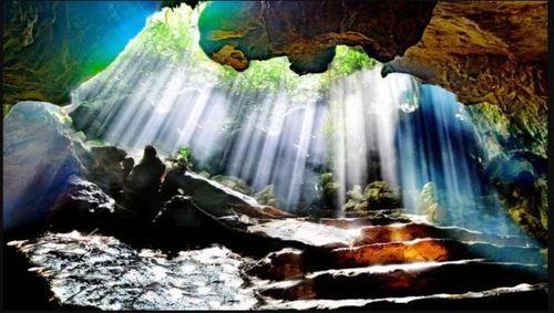 Động Thiên Hà - 'Dải ngân hà' huyền ảo trong lòng núi Tướng