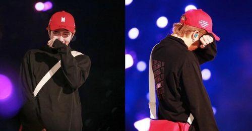RM BTS xúc động bật khóc trước vạn người hâm mộ sau khi kết thúc đêm diễn tại quê nhà