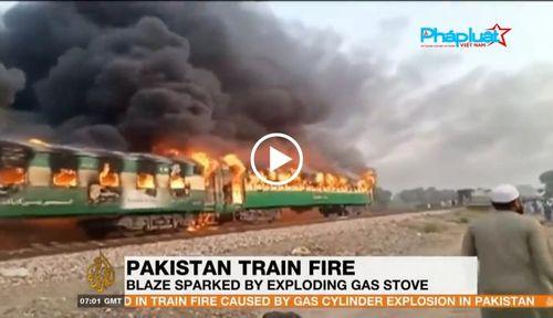 Hiện trường thảm khốc vụ nổ bình gas trên tàu Pakistan làm 74 người chết