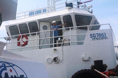 Xuyên đêm đạp sóng, 'giải cứu' tàu mắc cạn trên vùng biển Quy Nhơn