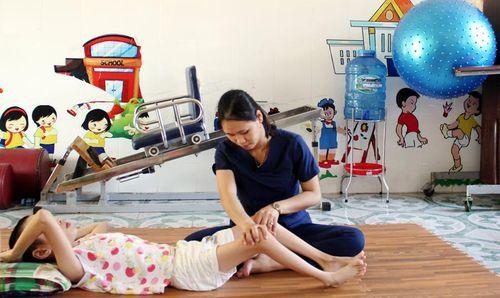 'Bác sĩ' của trẻ em khuyết tật