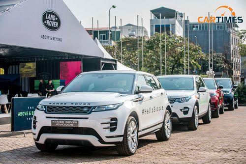 Trải nghiệm dàn xe sang Land Rover tại sự kiện Above and Beyond, nhận quà khủng