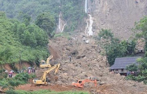 Quảng Ninh: Sạt lở đất đá, 5 người thương vong