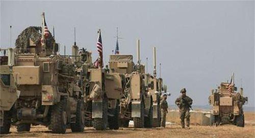 Vũ khí Mỹ 'lùi lũi' rút khỏi Syria, 900 binh sĩ nghi ở lại giữ mỏ dầu