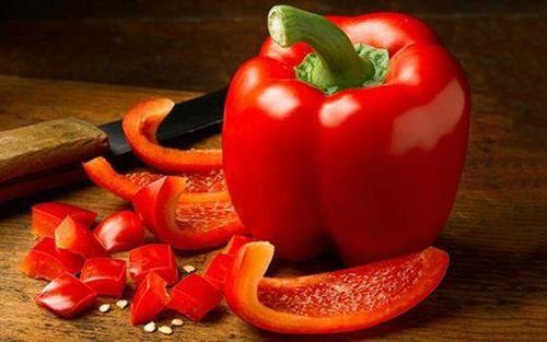 Những loại rau củ ăn sống 'tốt gấp nghìn lần' nấu chín