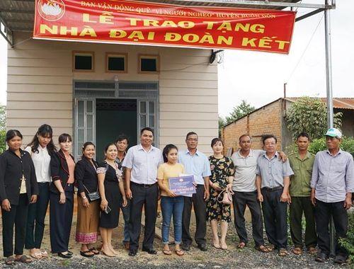 Buôn Đôn, Đắk Lắk: Bàn giao 5 nhà Đại đoàn kết cho các hộ nghèo