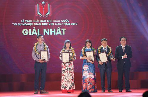 Trao giải báo chí toàn quốc 'Vì sự nghiệp Giáo dục Việt Nam' năm 2019