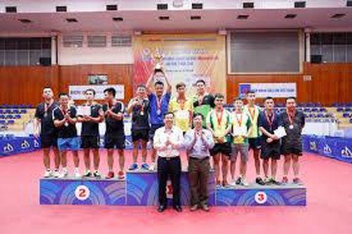 Giải Bóng bàn các CLB Hà Nội mở rộng tranh Cúp Báo Hànôịmới: 11 giải được BTC trao cho các VĐV