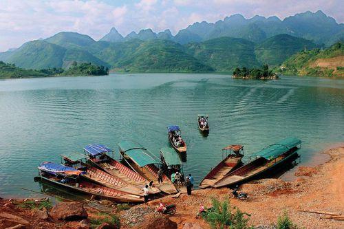 Quỳnh Nhai - 'vịnh Hạ Long' của núi rừng Tây Bắc