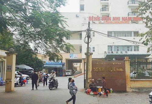 Nam Định: Bắt 2 nhân viên điều dưỡng tuồn thuốc ra ngoài bệnh viện bán kiếm lời